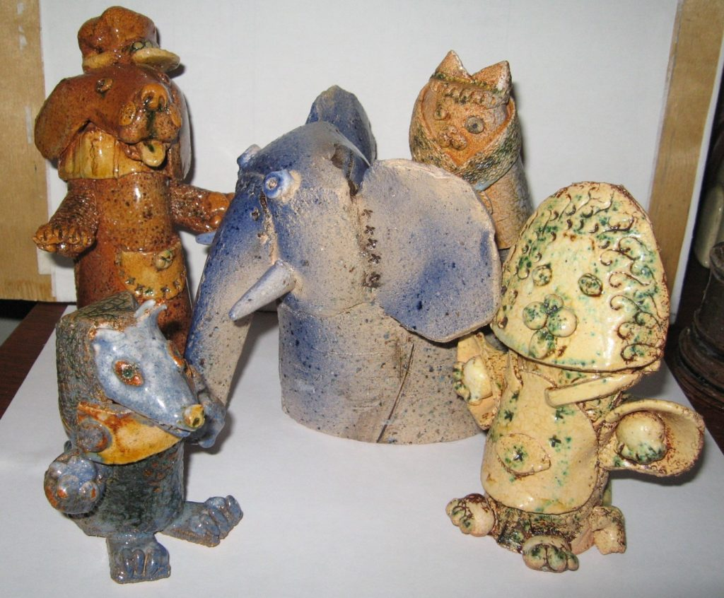Гобелены и скульптуры